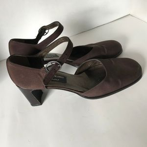 Stuart Weitzman Kitten Heel Brown Shoes